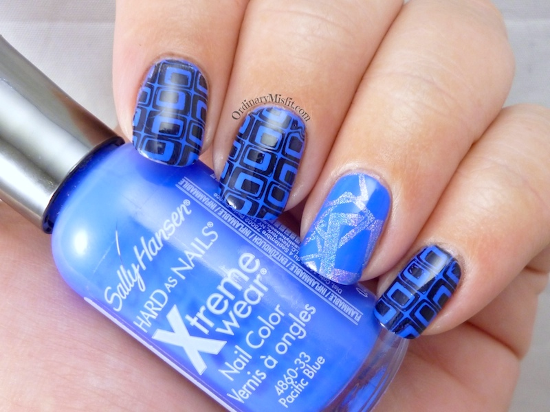 Blue squared nail art 2