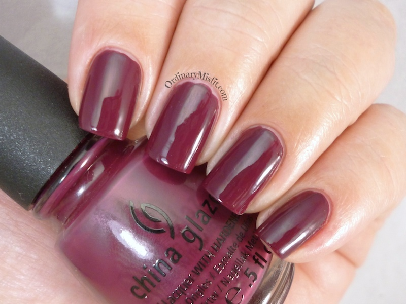China Glaze - Purr-fect plum