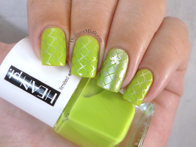 Hean Summer Collection #225 with nail art 2