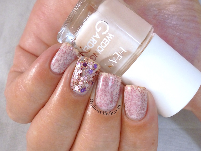 Hean Wedding Garden collection #638 - Hand in hand with nail art