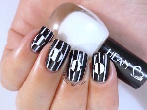 Hean I love Hean #401 and black nail art