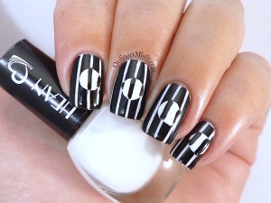 Hean I love Hean #401 and black nail art