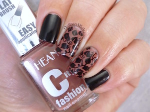 Hean City Fashion #21 with nail art