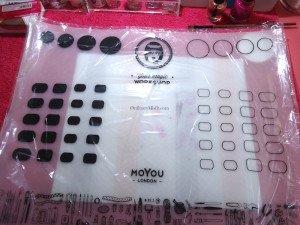 NailCandi review - MoYou magic workshop stamping mat in plastic