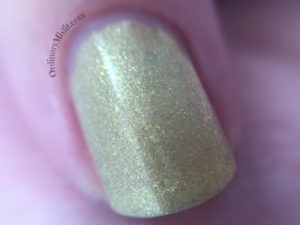 Dollish Polish - A crown for a king macro