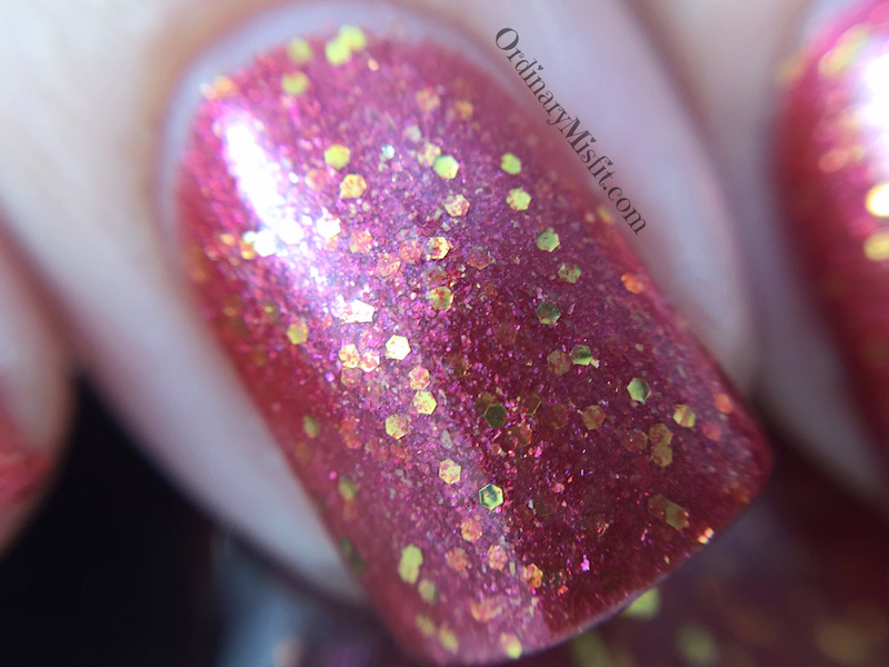 Dollish Polish - Honey, you should see me in a crown macro