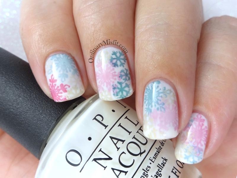 Snowflake sandwich nail art