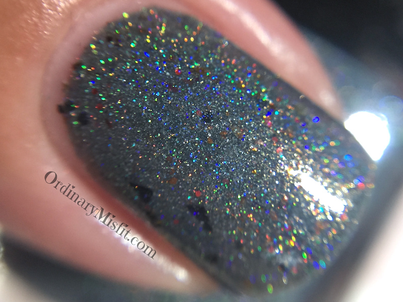 Dollish Polish - We'll tear your soul apart macro holo
