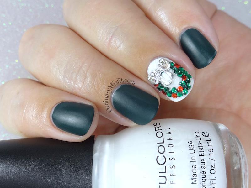 Ribbons & wreaths christmas nail art