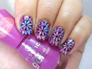Smoosh doodle nail art