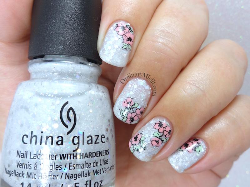 Snowflake flowers nail art