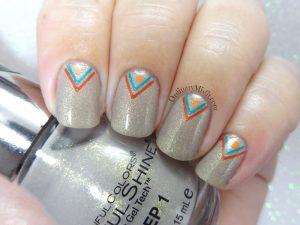 Arrowed prosecco nail art