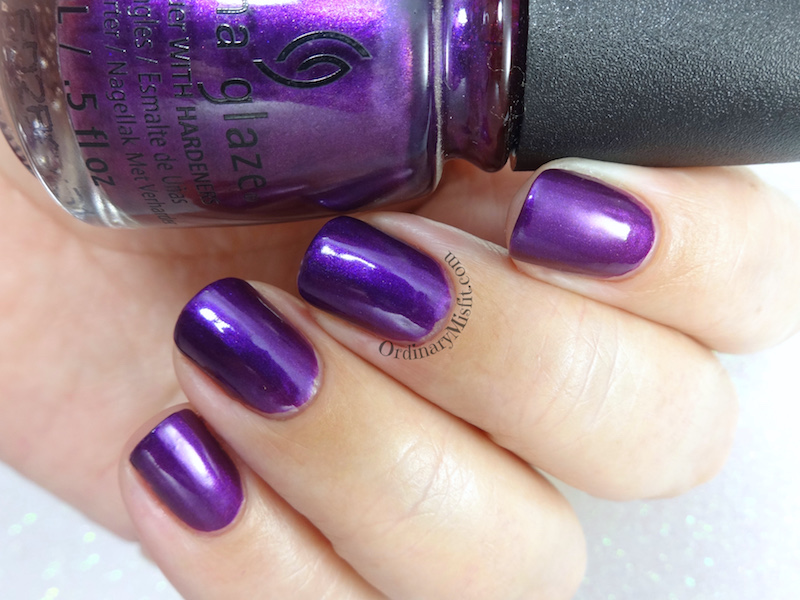 China Glaze - Purple fiction