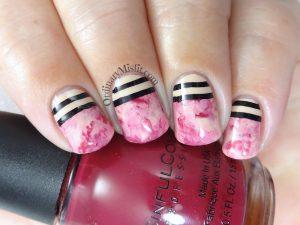 Lined smoosh nail art