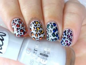 31DC2018 Day 9- Rainbow nails