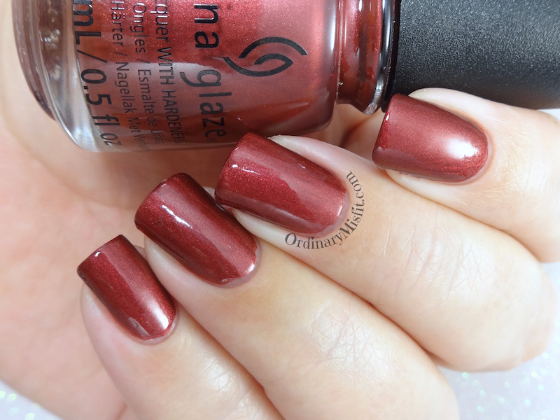 China Glaze - Haute blooded topcoat
