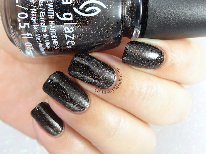 China Glaze - Ash & burn