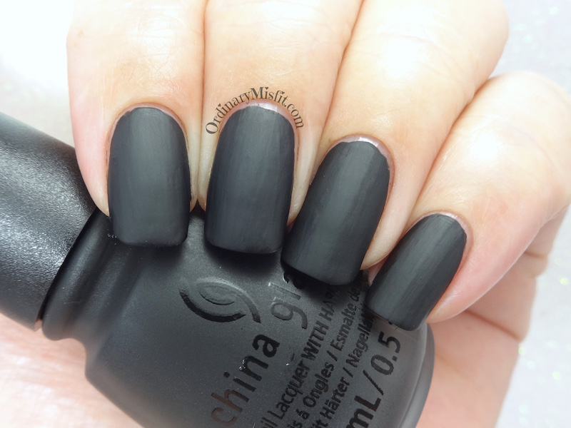 China Glaze - Shadies & gentlemen