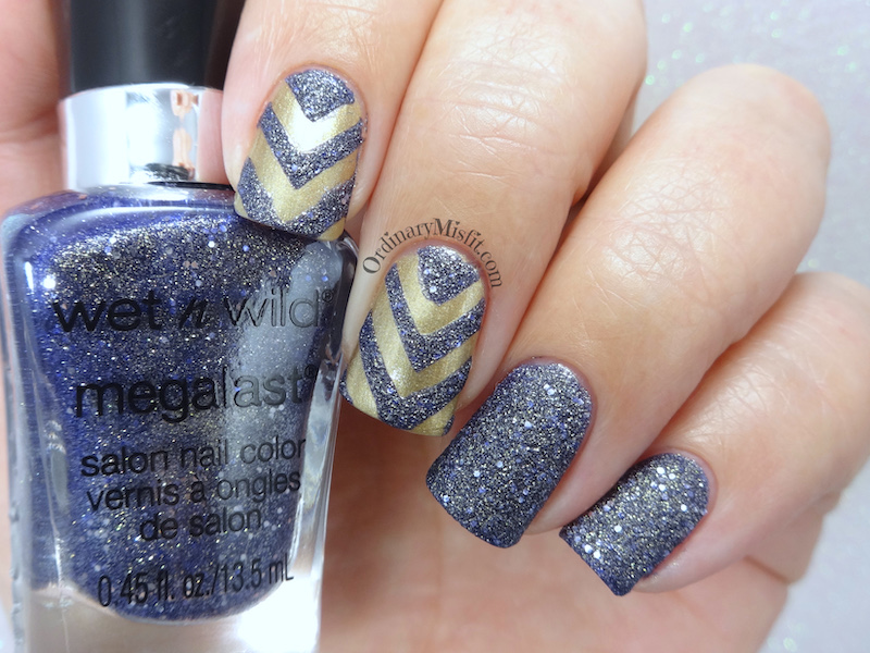 Textured chevrons nail art