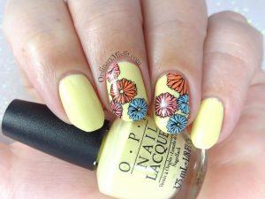 Summer flowers nail art