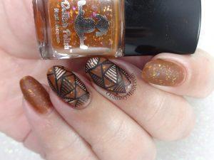 Geomtric & flakies nail art