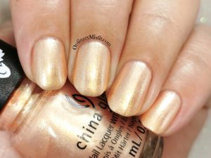China Glaze - I believe in snuffy